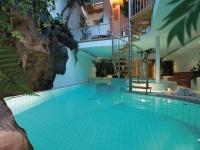 Swimming pool 32C°