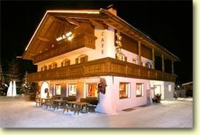 Hotel val wolkenstein gr den for Wolkenstein design hotel
