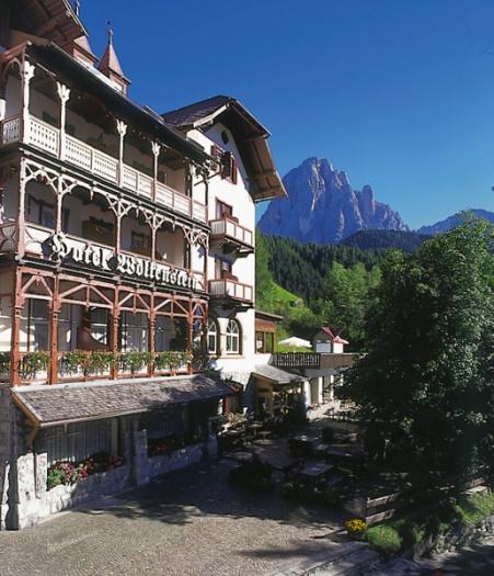Hotel wolkenstein selva val gardena dolomites for Wolkenstein design hotel