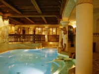 piscina coperta riscaldata