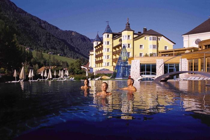 Hotel adler dolomiti spa sport resort ortisei val gardena - Hotel in montagna con piscina ...