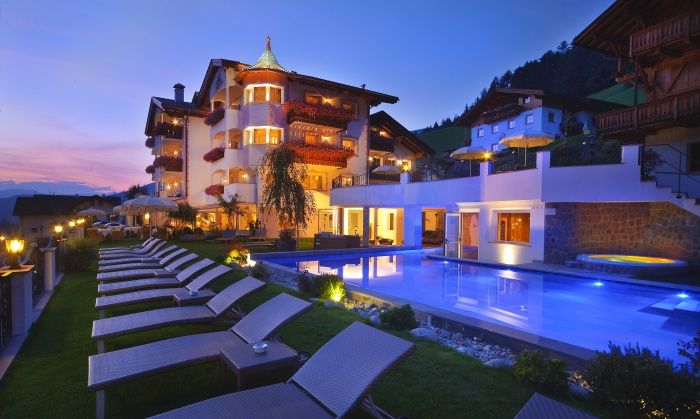 Alpin garden wellness resort hotel ortisei val gardena for Design hotel val gardena