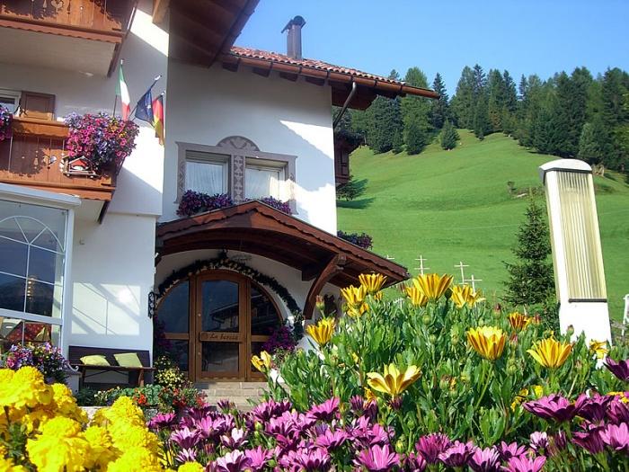 Garni hotel la bercia wolkenstein gr den for Wolkenstein design hotel