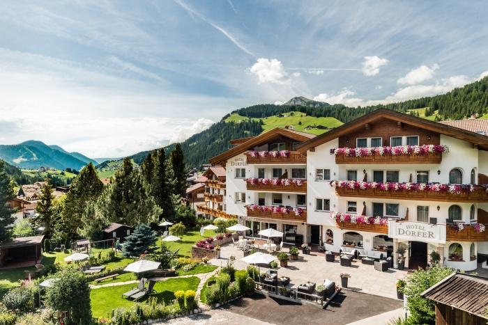 Hotel dorfer alpine charming selva val gardena dolomites for Design hotel val gardena