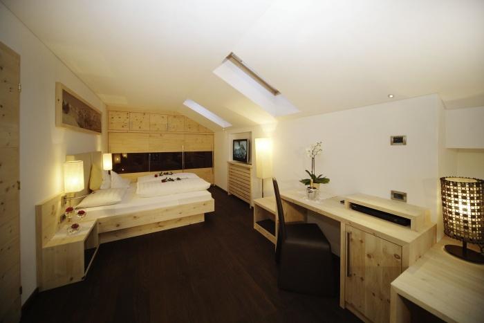 Cesanueva romantik villa wolkenstein gr den for Wolkenstein design hotel