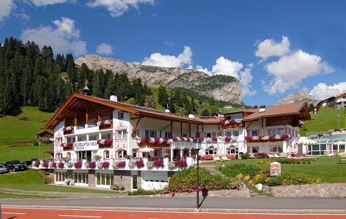 Hotel welponer wolkenstein gr den for Wolkenstein design hotel